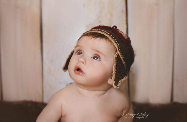 Bebé en su sesión vintage de seguimiento a los 7 meses.